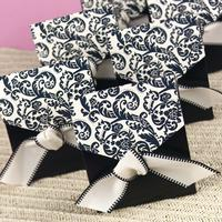 22054 Black & Ivory Flourish Favour Boxes