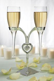 6023 Suspended Heart Toasting Flutes