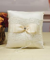 5003 French Lace Ring Pillow