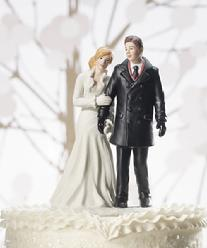 9355 Winter Wonderland Couple Cake Topper