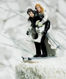 8668 Skiing Couple Cake Topper