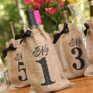 20823 Burlap Table Number Wine Bags