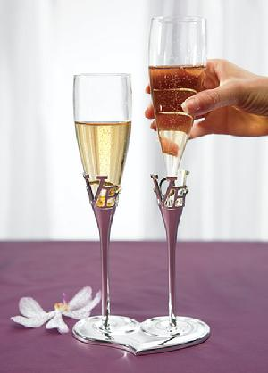 8544 - Love Heart Toasting Flutes $39.98