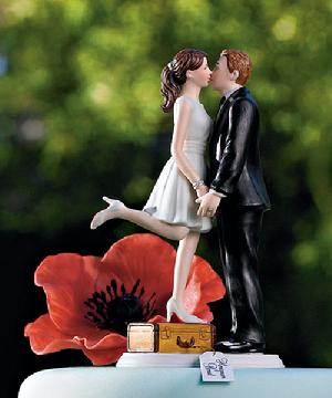 9090 A Kiss and We're Off Cake Topper