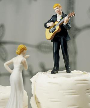 9208 Love Serenade Groom Cake Topper